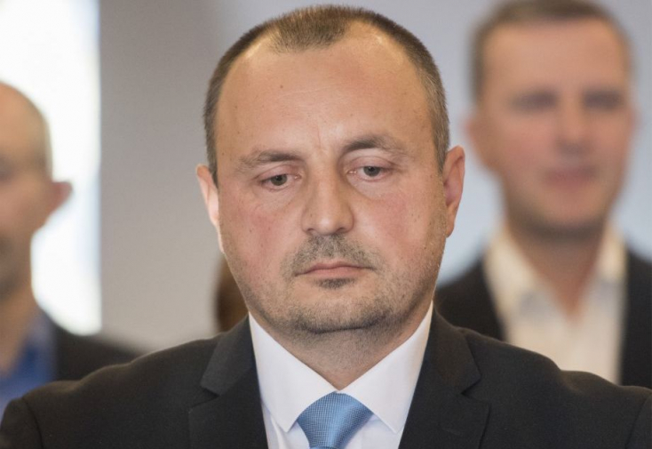 Kyselica önként távozik a belügyminisztériumból