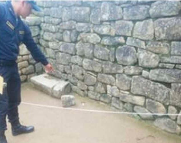 Öt turistákat kiutasítanak Peruból, mert megrongálták a Machu Picchut