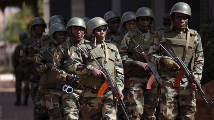Dzsihadisták öltek meg 21 katonát Maliban