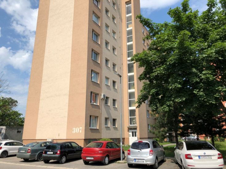 Túlélte a zuhanást a hetedikről egy nő Dunaszerdahelyen, a kórházban halt meg