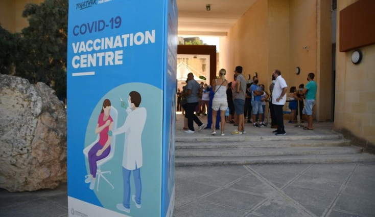 Beoltották Málta lakosságának 90 százalékát, bezárnak az vakcinaközpontok