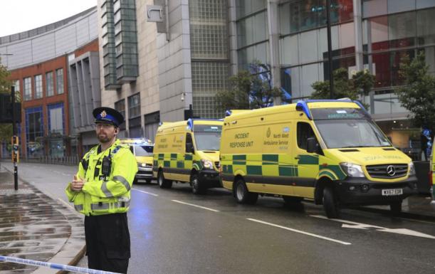 Öten sebesültek meg a manchesteri késeléses támadásban