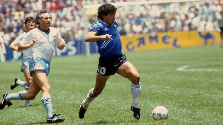 Vacak kétmillió dolcsiért akár a tied is lehet Maradona meze, amiben az évszázad két legismertebb gólját szerezte!