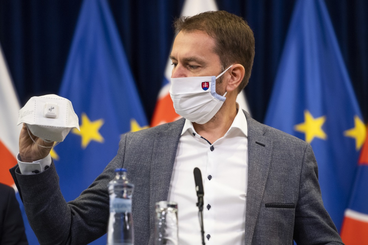 Látta már valaki Orbán Viktort maszkban? És Matovič miért hordja állandóan?