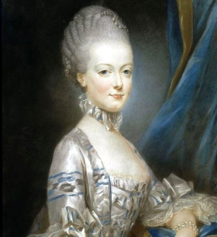 A becsült ár többszöröséért keltek el Marie Antoinette-relikviák egy versailles-i árverésen