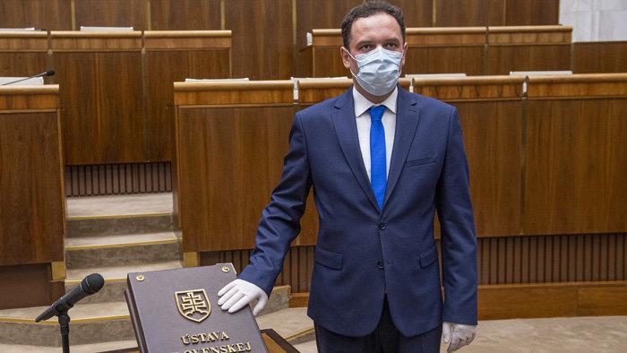 Kizárták az OĽaNO frakciójából a parlamenti képviselőt, aki lepaktált az ellenzékkel