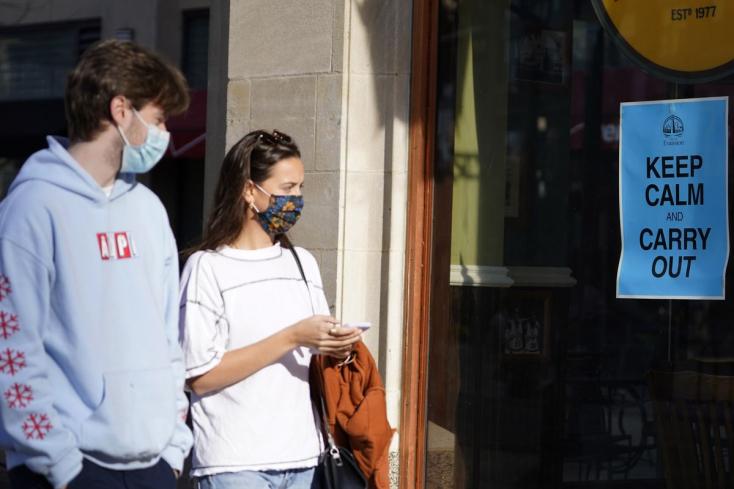 A németek majdnem fele ajárvány után is viselne maszkot