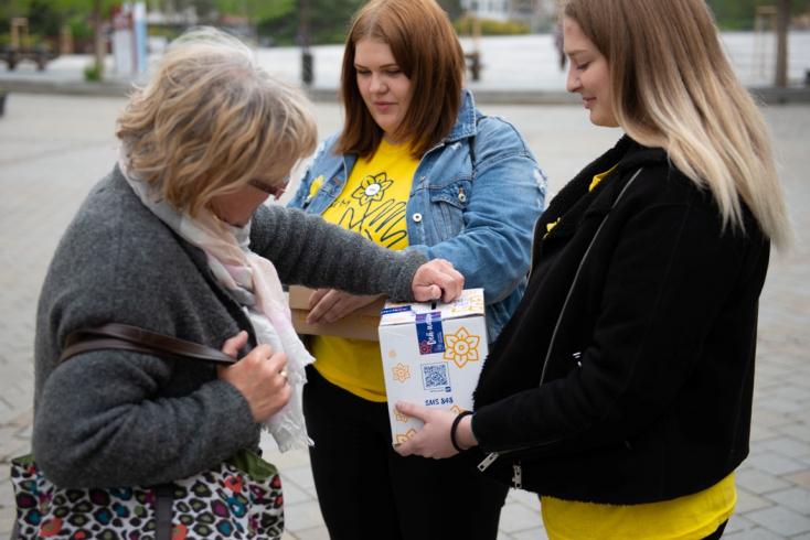 A rákbetegek megsegítésére gyűjtenek a nárciszok napján országszerte