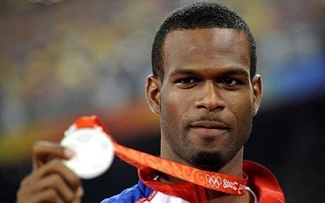 Motorbalesetben hunyt el az olimpiai ezüstérmes