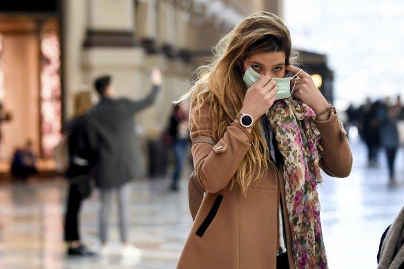 Egész Olaszországban ismét kötelezővé tették a szabadtéri szájmaszkhasználatot
