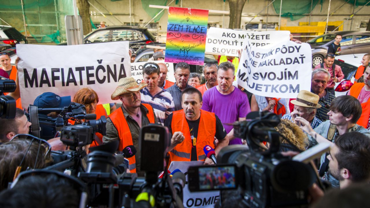 Matečná minisztériuma előtt kiabálták a gazdák, hogy nem bíznak benne!