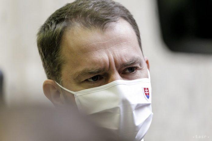 Elítélték az újságírók elleni támadásokat a pártok, Matovič is kapott