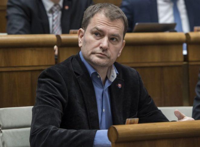 """Matovič aBonaparte villa előtt beszélt tervükről, mellyel a """"kormánymaffiát"""" akarják legyőzni"""