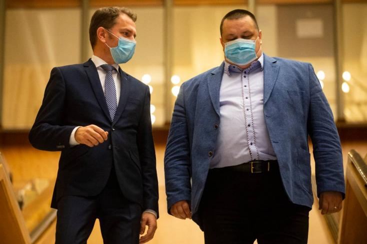 Matovič alázatot látott a szlovák lélegeztetőgép-gyártók szemében, rá is dumálta őket 300 új masinára