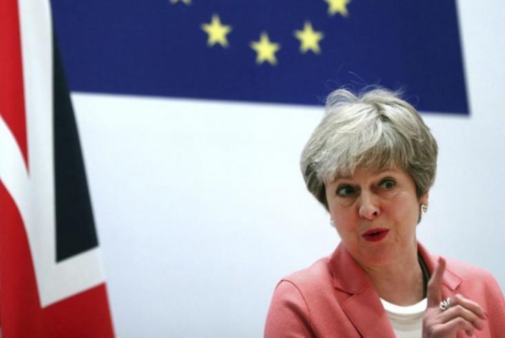 Theresa May-nek esze ágában sincs lemondani - még a nagy nyomás ellenére sem