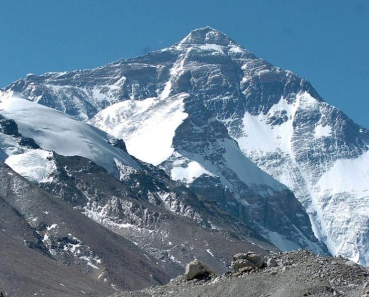 Heten haltak meg a Mount Everesten