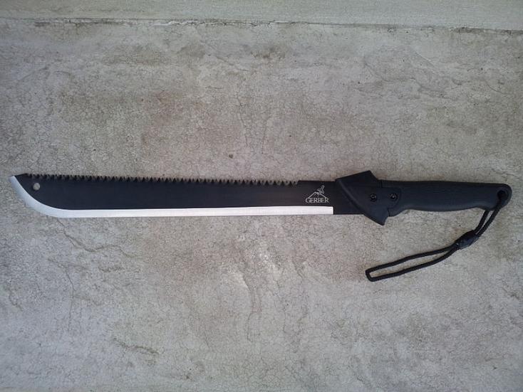 Nádvágó kése éspuskája is volt a Kassa környékén randalírozó férfinek