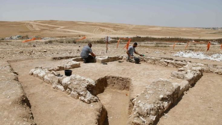 1200 éves mecsetet fedeztek fel a Negev sivatagban