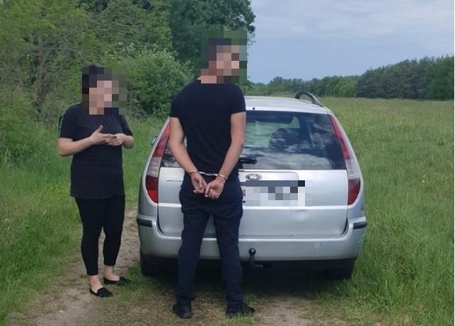 Figyelmeztető lövések után állt meg a zsaruk elől menekülő körözött 22 éves