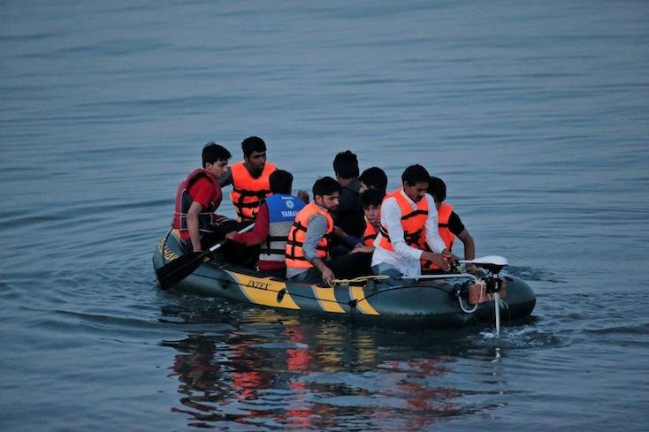 Egy nap alatt több mint 3 ezer embert mentettek ki a Földközi-tengeren