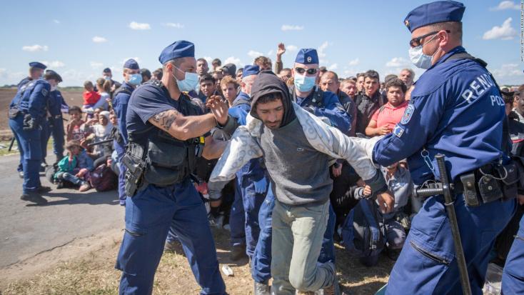 Magyarország fogadta be tavaly a legtöbb menekültet a V4-ek közül, Szlovákia a legkevesebbet