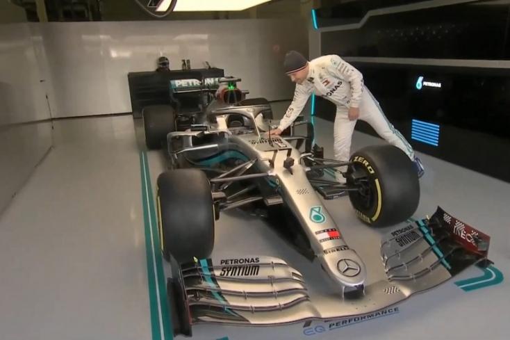 Bemutatták az idei Forma-1-es Mercedest,mapályára is gurul a W11-es