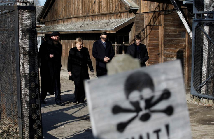 Auschwitzba látogatott Angela Merkel