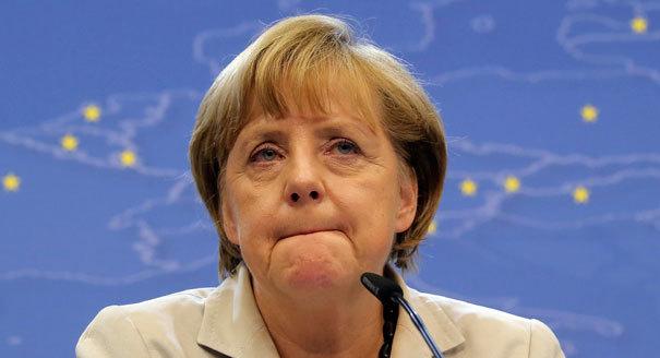 Angela Merkel megint remegni kezdett egy nyilvános rendezvényen – VIDEÓ