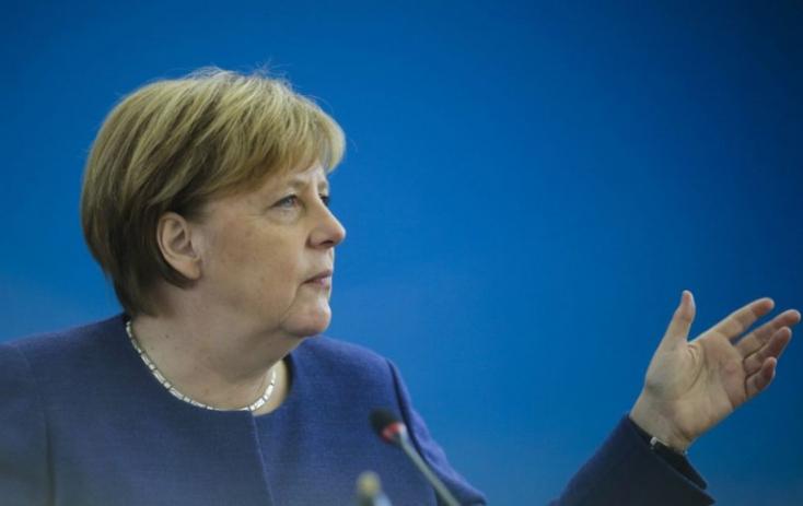 Merkel szerint új rendszerre van szükség az európai menekültügyben