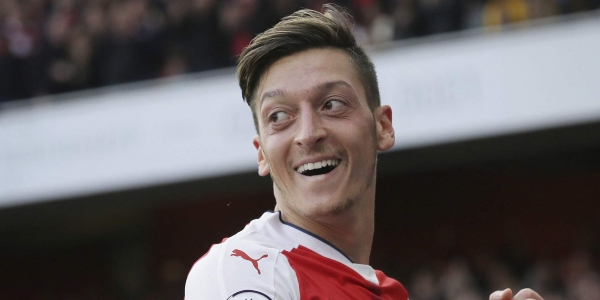 Wenger szerint Özil behúzott kézifékkel játszott a foci vb-n