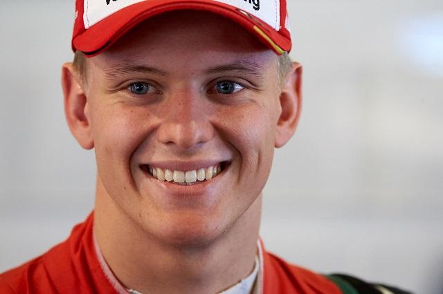 Mick Schumacher bajnoki címmel búcsúzott a Forma-2-től