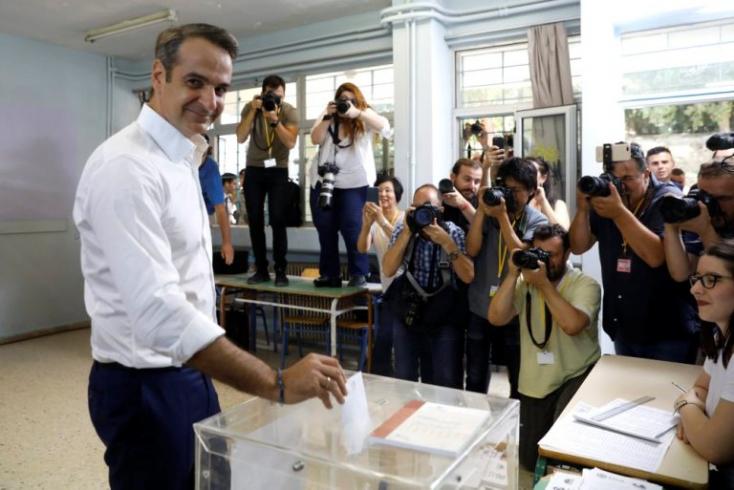 Görögországban letette a hivatalos esküt az új kormányfő