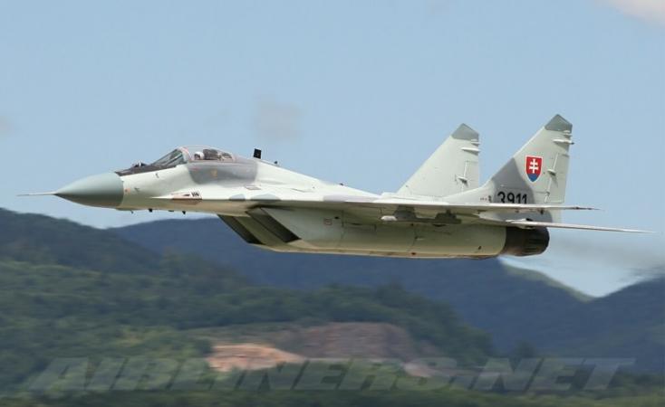 Egy olasz Airbus miatt riasztották a szlovák MIG-29-eseket!
