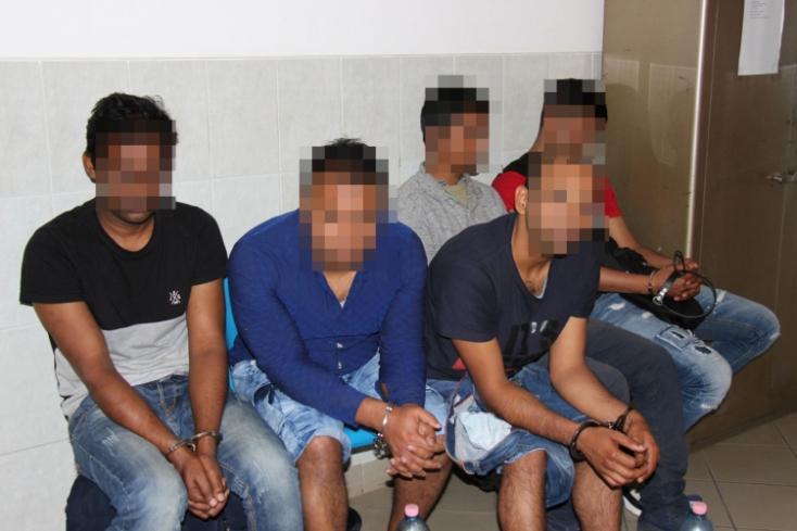 Bangladesieket szállító szlovák embercsempészt fogtak el a magyar rendőrök!