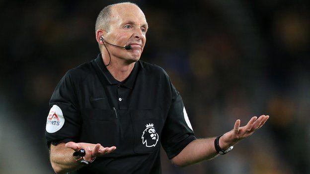Premier League: Halálos fenyegetéseket kapott az egyik játékvezető