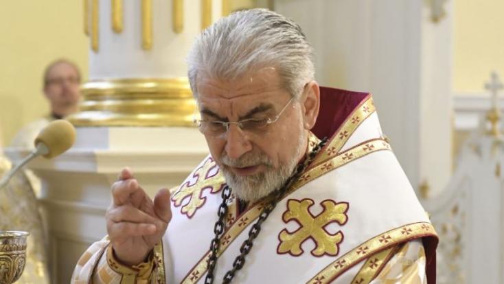 Nem biztos, hogy pedofil, de hogy nem százas a püspök úr, az tuti
