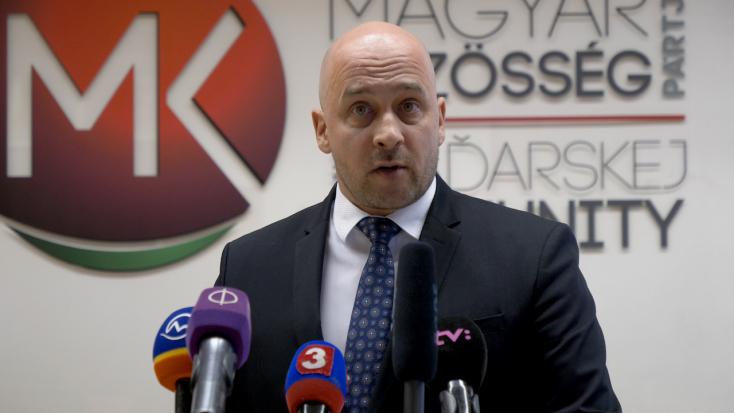 Menyhárt József visszalépett az elnökjelöltségtől Mistrík javára!
