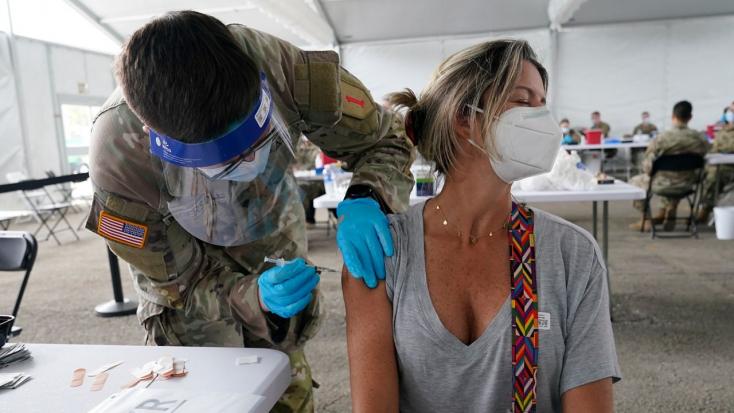 AModernafél évvel a második oltás után is jól véd az összes vírusvariáns ellen