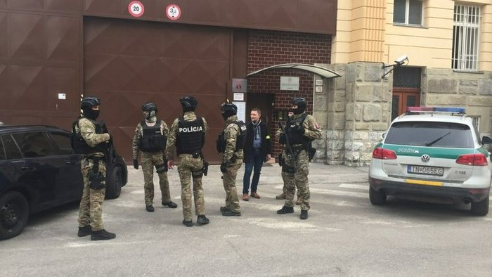 Csalódott lehetett a szabaduló Jankovská, mikor meglátta, kik várnak rá a dutyi előtt!