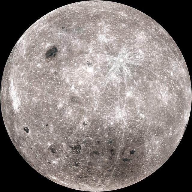 Megkezdte Hold körüli keringését a Csandraján-2 indiai űrszonda