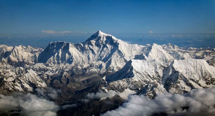 A legmenőbb szállodák használják a világ legmagasabb hegycsúcsán eldobált hulladékot