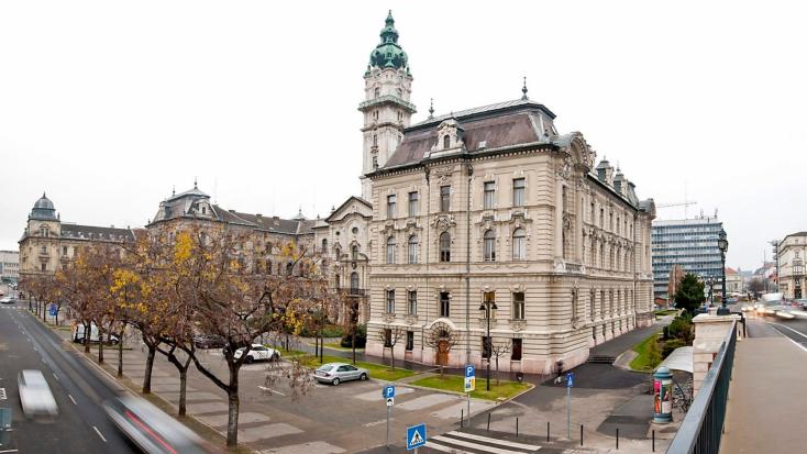 Győr polgármestere után az egyik alpolgármesternek és önkormányzati képviselőnek is pozitív lett a tesztje