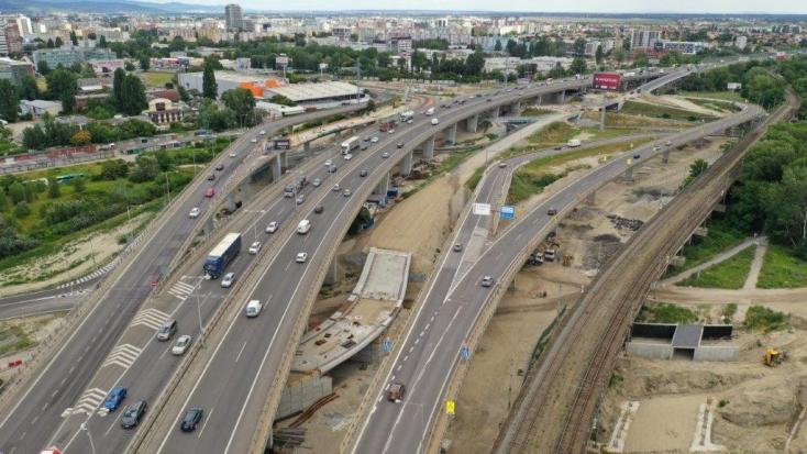Szombattól a pozsonyi Kikötői hídról sem a Bajkalskára, sem a Slovnaftskára nem lehet lefordulni