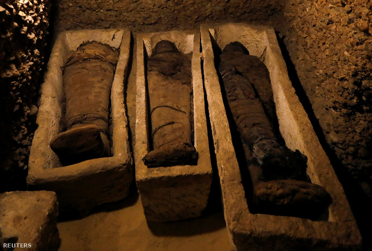 Negyven jó állapotban konzerválódott múmiát találtak Egyiptomban