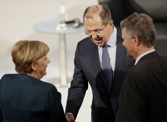Müncheni konferencia – Megállapodtak a kelet-ukrajnai tűzszünetről