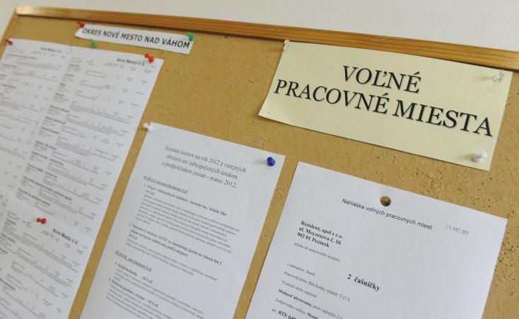 Folyamatosan csökken a munkanélküliek száma a Dunaszerdahelyi járásban
