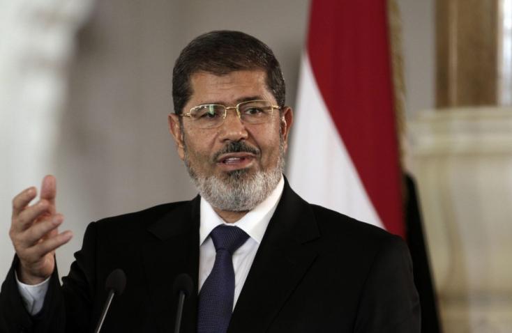 Eltemették a hétfőn elhunyt Mohamed Murszi megbuktatott egyiptomi államfőt