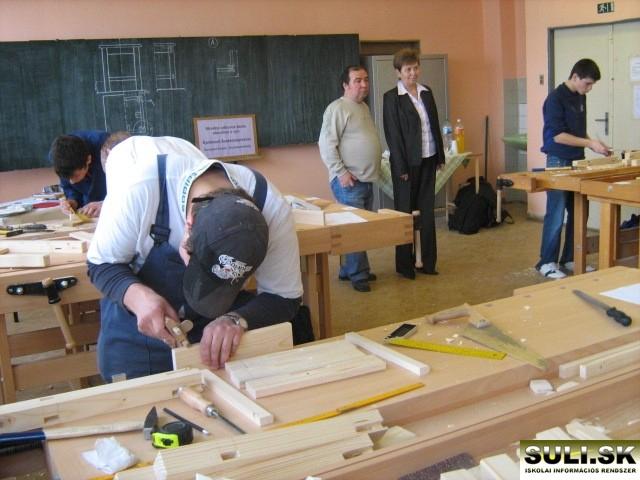 Dunaszerdahelyen összevonnának iskolákat, ezért a hidasokViskupič megyeelnökkel egyeztetnek
