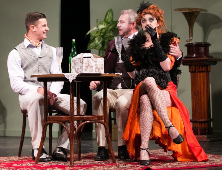 Színházi lábjegyzet: A Naftalin című bohózatról nyilatkoznak a Jókai látogatói