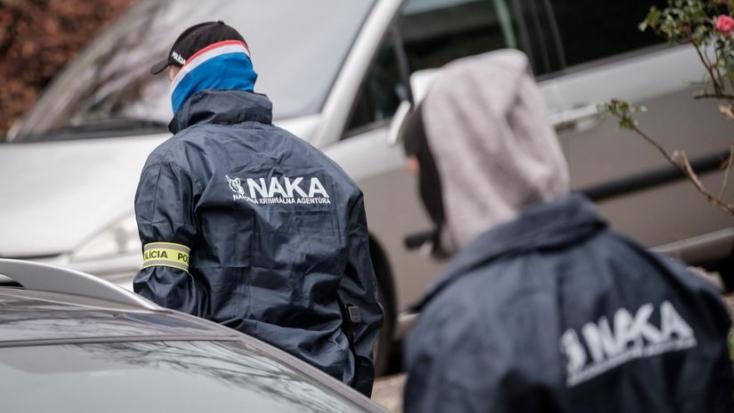 Megszállta a kormányhivatalt a NAKA!